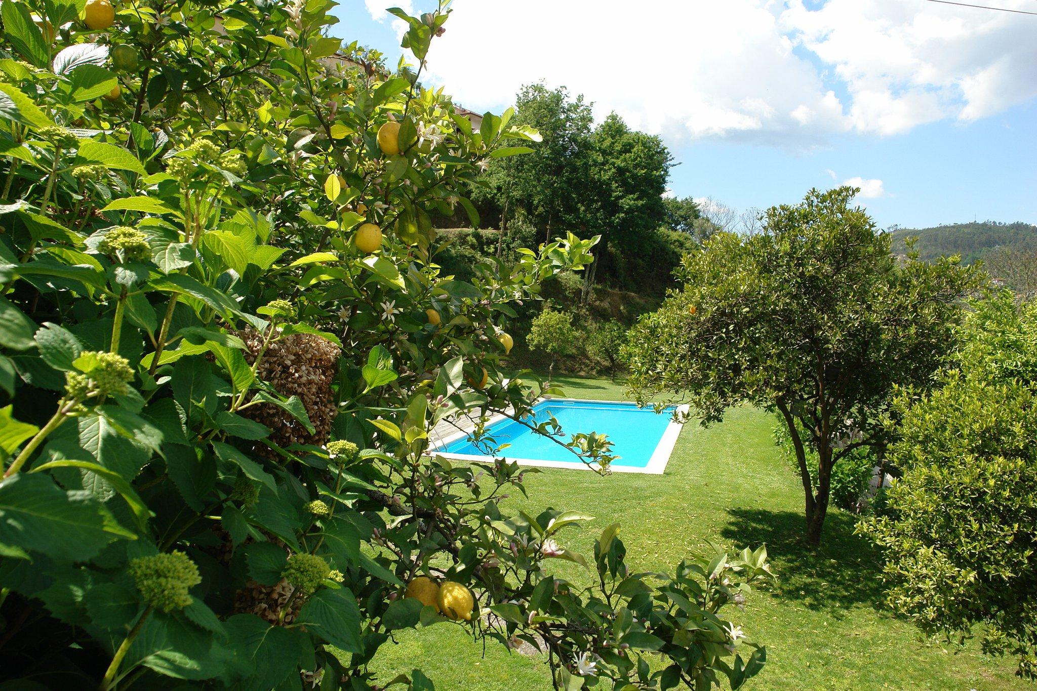 Alugar Casa Eira Junto Barragem Caniçada piscina