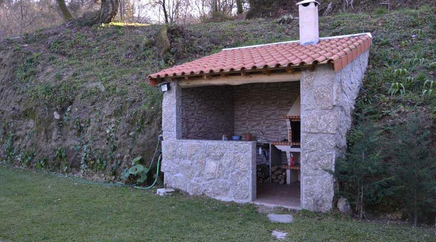 alugar casa geres barragem caniçada churrasqueira