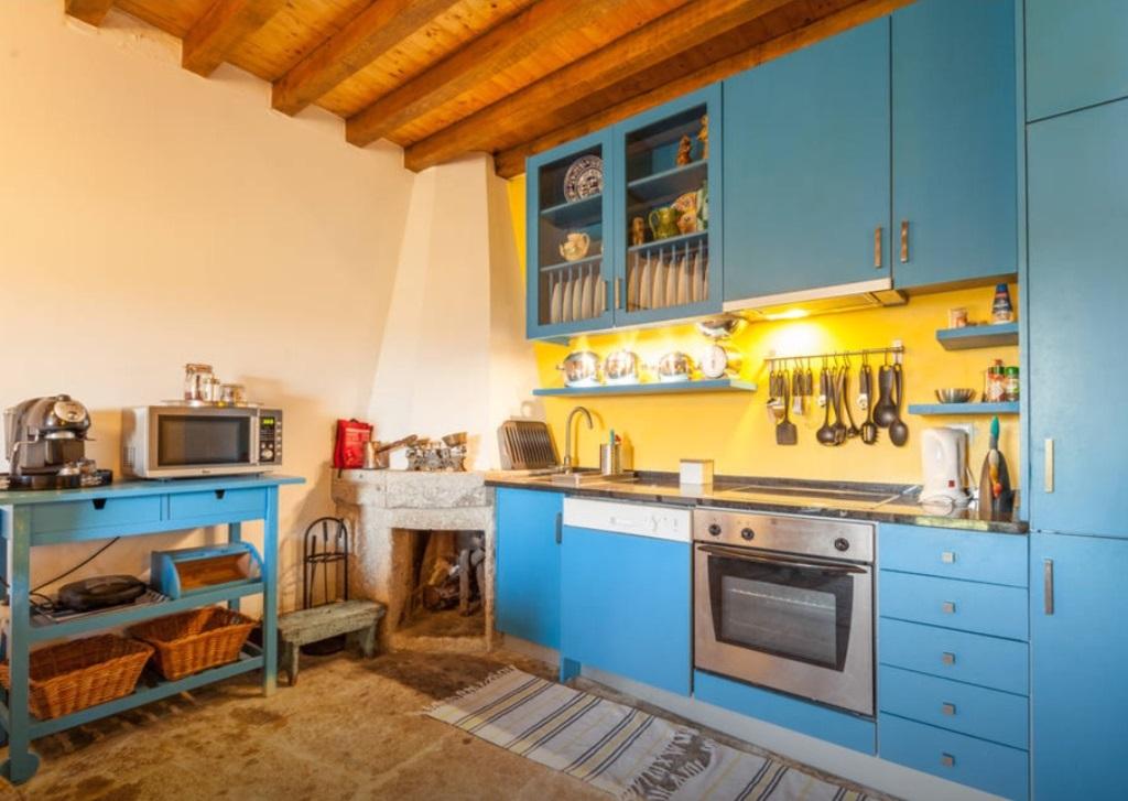 alugar casa geres fraga cozinha