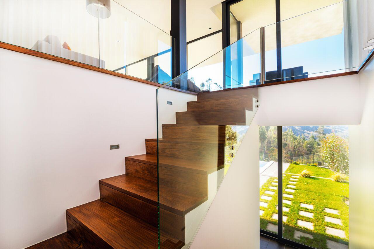 alugar casa luxo geres escadas