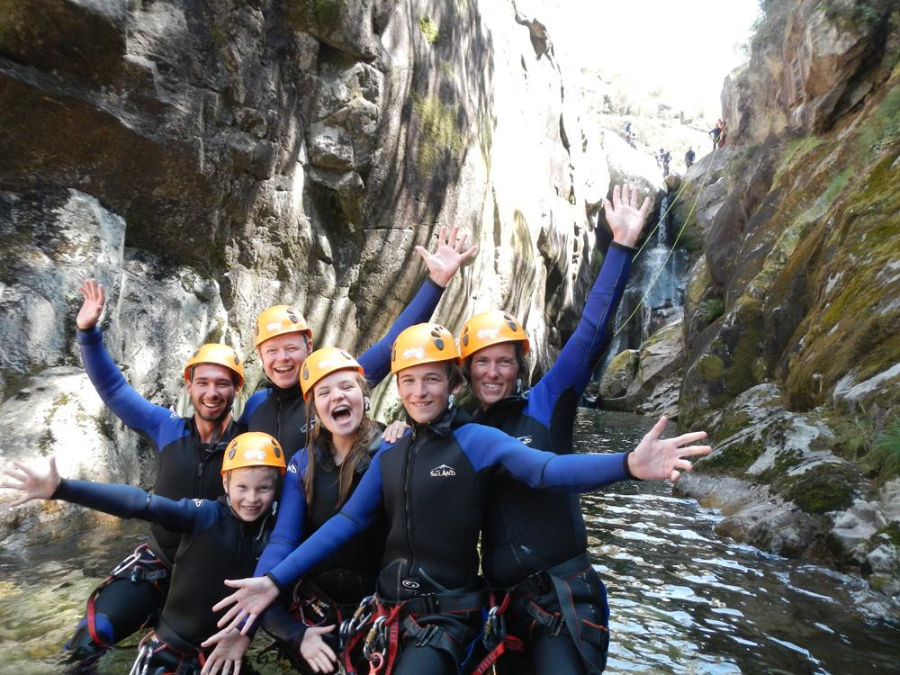 atividades geres canyoning criancas agua aventura