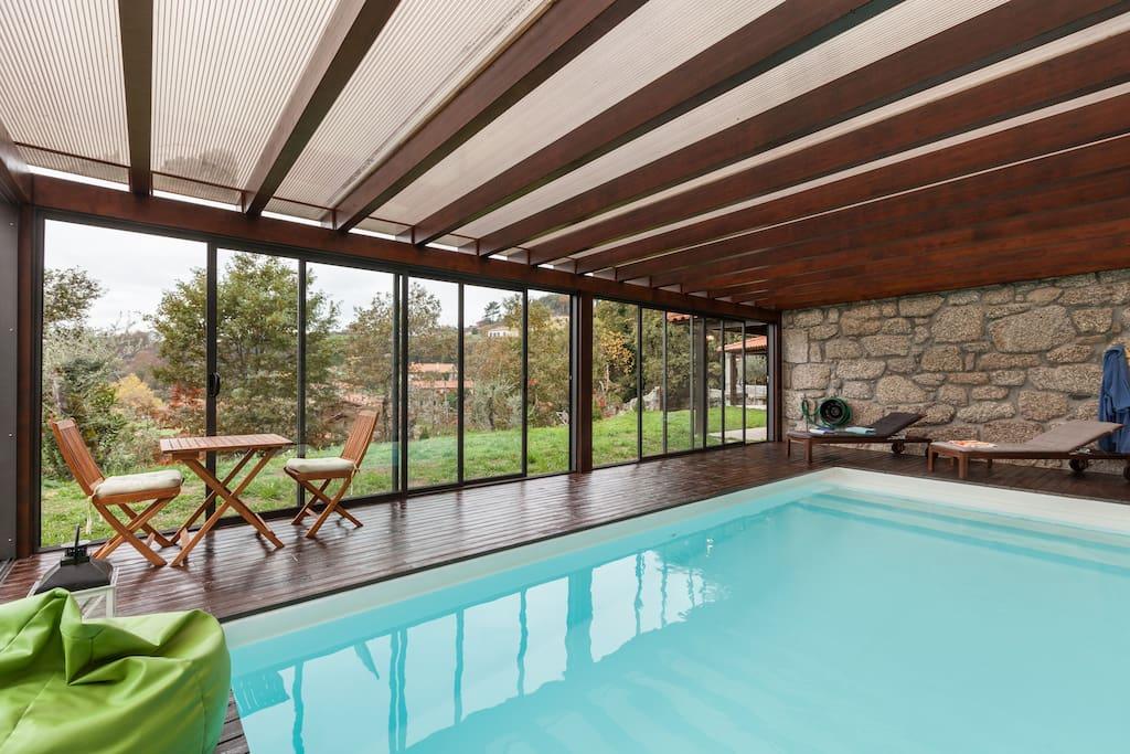 Casa da piscina interior aquecida e salgada casas no for Piscina interior